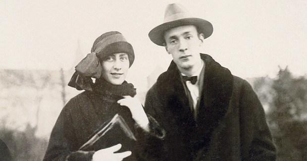 Освен муза, Вера била за Набоков и преводач, секретар, агент, критик...