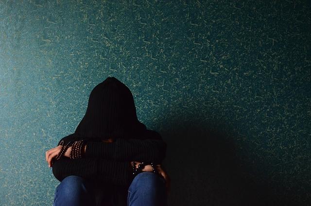 Един от основните навици на нещастните хора е никога да не търсят вината в себе си.