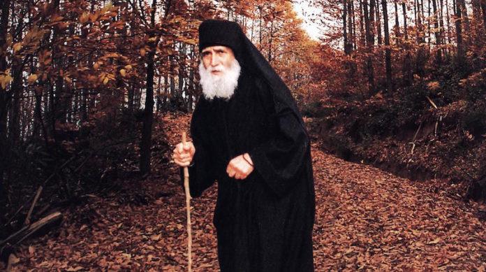 Стареца Паисий Светогорец