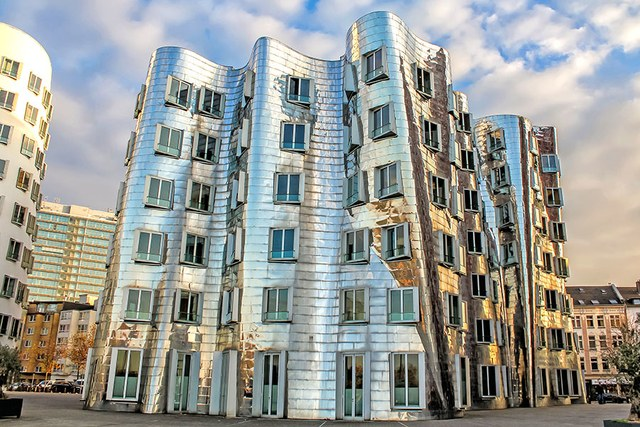 dam-images-architecture-2014-10-gehry-architecture-best-frank-gehry-architecture-10-neuer-zollhof