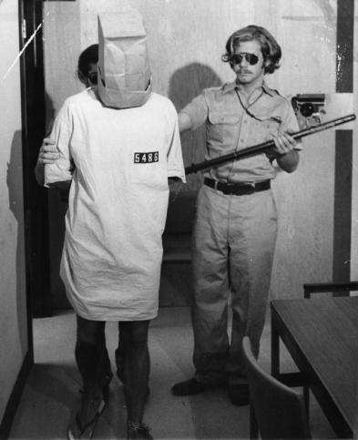 Станфордският затворнически експеримент