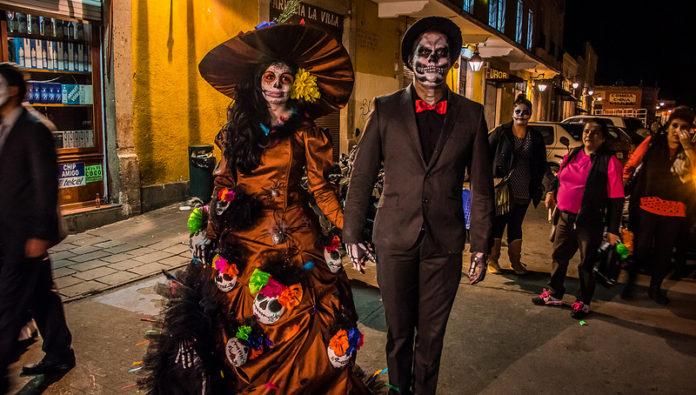 в Мексико