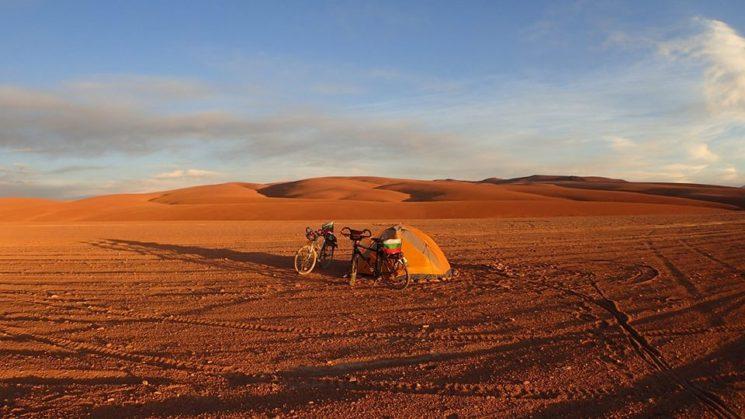 Боливия - на палатка