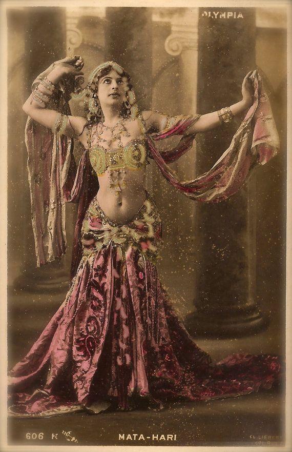 Мата Хари през 1909 г.