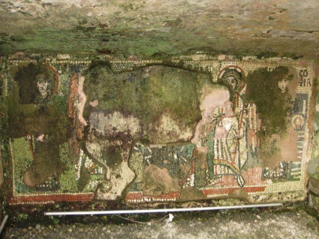 Параклис в амфитеатъра в Дуръс