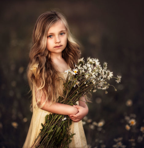 children_portrait_photography_daughter_flower_roberta_baneviciene_14