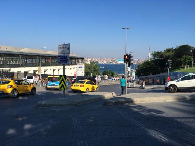 Регистрационните табелки на автомобилите в Истанбул започват с 34.