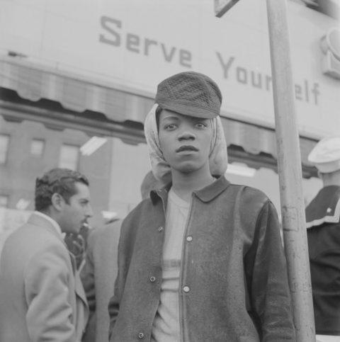 Работничка на МакДоналд авеню, Ричмънд. 1943 г.