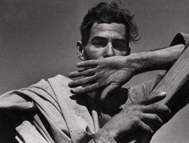 Работник на памукова плантация. Аризона, 1940 г.
