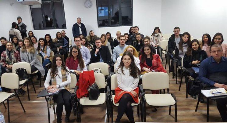 Със студенти от Юридическия факултет на Пловдивски Университет по време на лекция, на която бях гост-лектор