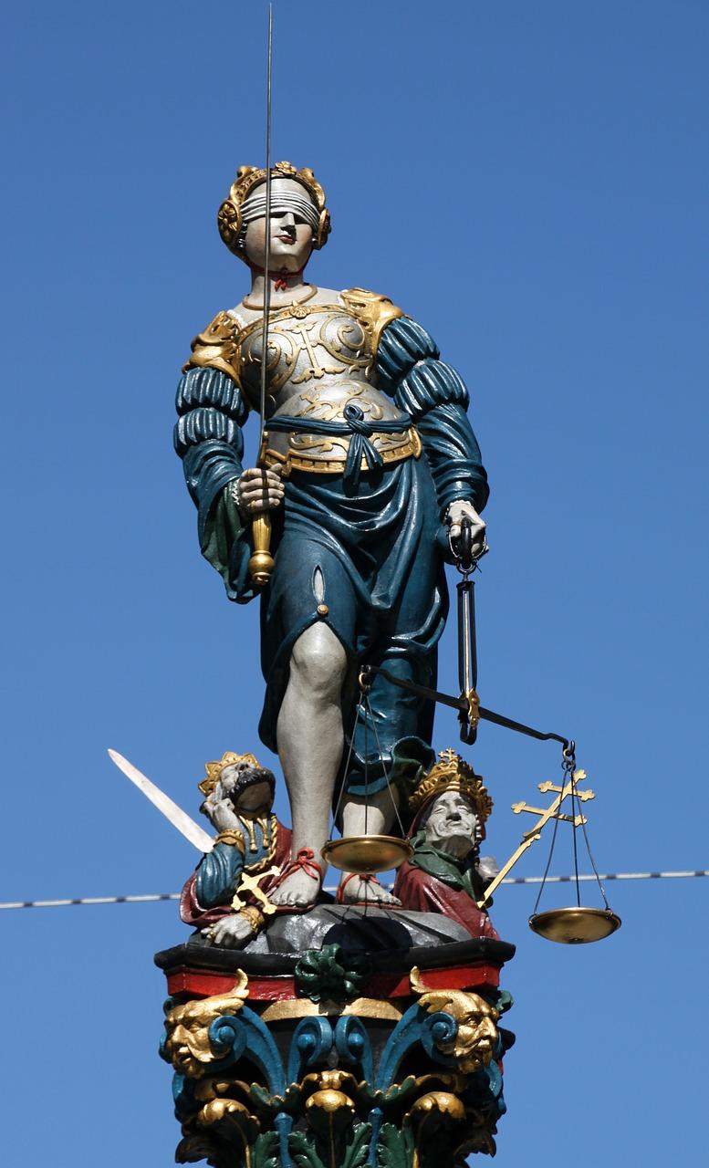 Фонта на справедливостта в Берн